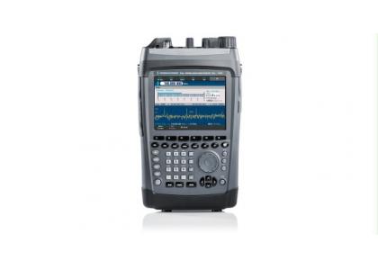 R&S PR100 портативный приемник реального времени